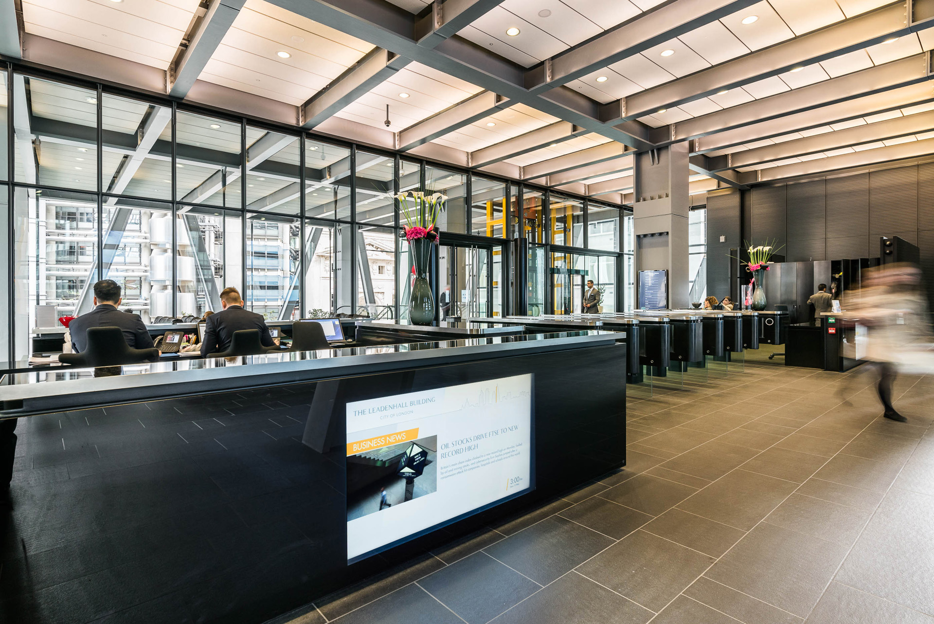 Live business news on digital signage at The Leadenhall Building